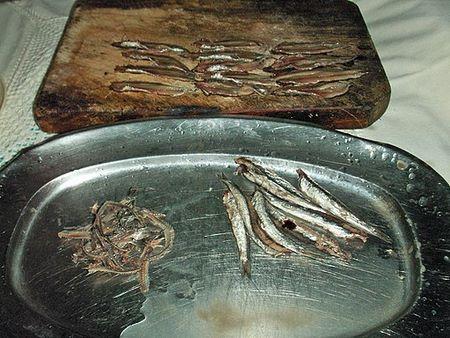 Come pulire le acciughe salate prima del consumo