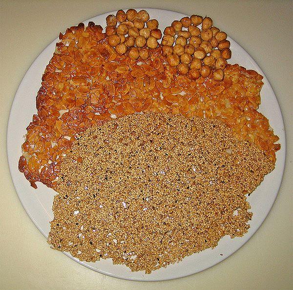 Ingredienti per croccante alle nocciole