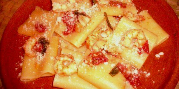 Paccheri con mazzancolle e pomodorini alla procidana
