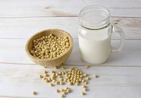 Latte ottenuto da fagioli di soia