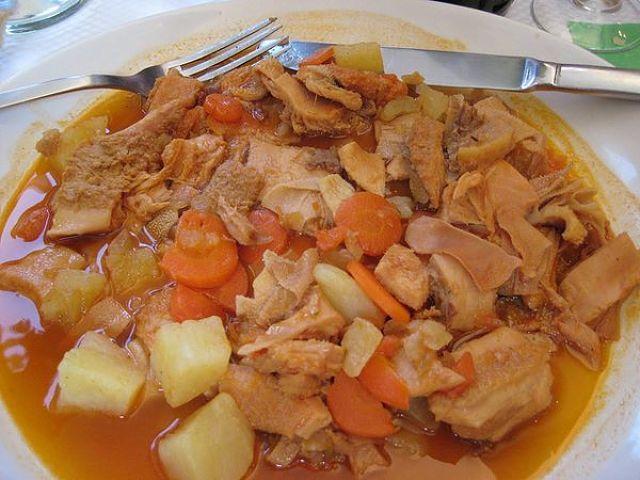 Trippa mista in umido alla genovese con patate e carote
