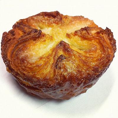 Il Kouign-amann mignon è perfetto per la prima colazione