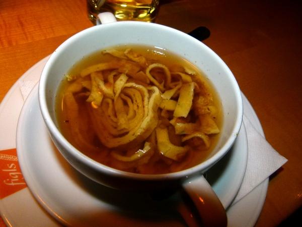zuppa di crespelle in brodo tedesca
