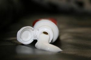 dentifricio bianco in pasta