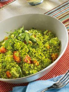 Cous cous con pesto di rucola e verdure fresche