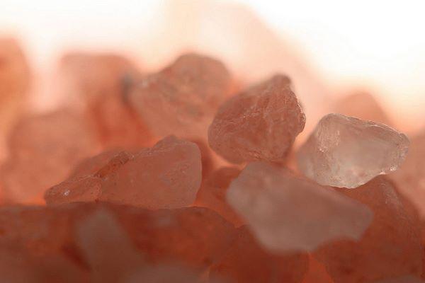 Cristalli di sale rosa dell'Himalaya