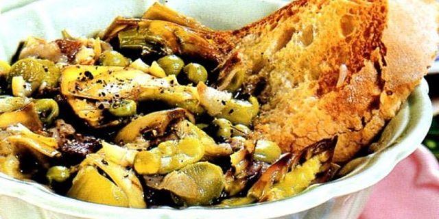 Come deve essere densa la Garmugia, zuppa primaverile di Lucca