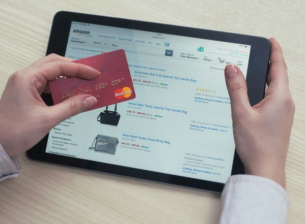 Consultare le offerte di Prime per fare acquisti convenienti su Amazon