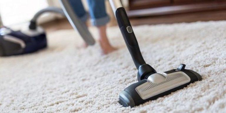Un aspirapolvere potente pulisce bene la moquette