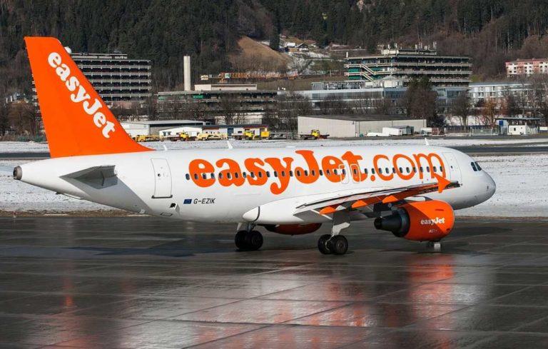Si può risparmiare sui voli viaggiando su aerei di compagnie come Easyjet
