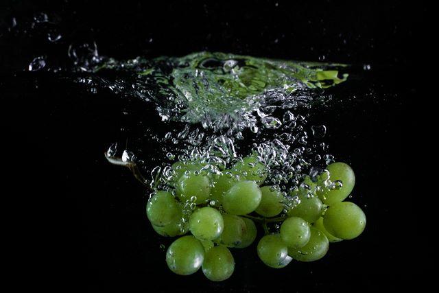 Come sciacquare l'uva prima di farne il succo