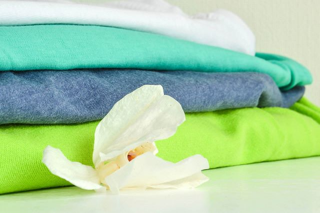 Maglie di lana lavate e piegate correttamente