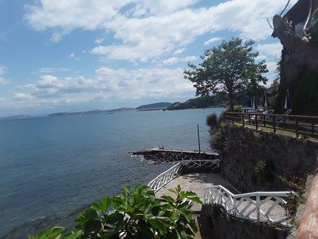 Discesa a mare del parco Castiglione a Ischia