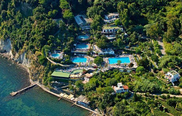 Veduta del Parco Termale Castiglione a Ischia