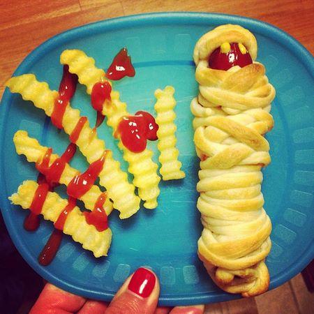 Come presentare l'hot dog al rinfresco per Halloween