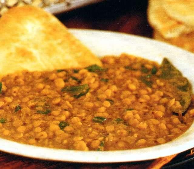 Zuppa vegetariana di lenticchie alle spezie indiane
