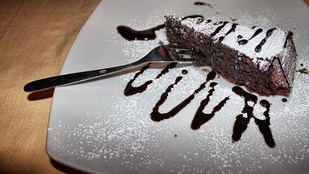 Torta caprese di cioccolato fondente