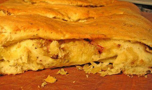 Fougasse cotta alla perfezione con crosta croccante e interno soffice