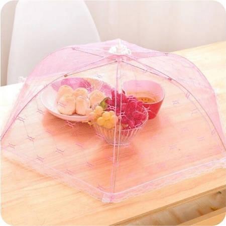 Alimenti protetti da ombrello di tulle